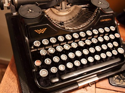 old_typewriter_184617